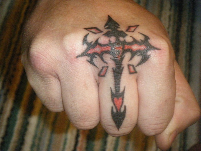 8128dce71b0af Cute-Knuckle-Tattoo-Design. Posted by Inky Beer ...
