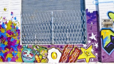 oakland-mural-walls-cement-brown-sugar-kitchen-graffiti-daniel-rolnik-argot-ochre-bacon-eggs-star-purple-blue-600x338