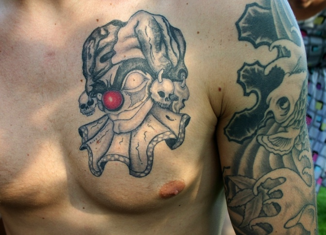 3d-evil-clown-tattoo-on-chest