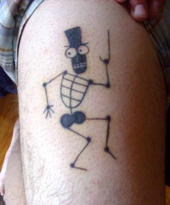 cartoon-skeleton-tattoo-thigh