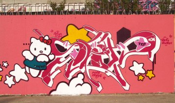 hello-kitty-graffiti-3
