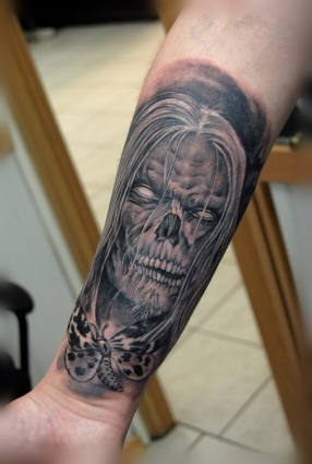 horrible-skull-tattoo-in-the-image-of-witch-981