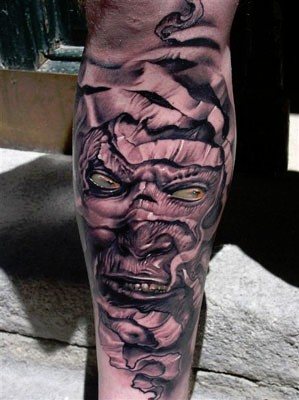 Robert-Hernandez-fantasy-mummy-portrait-tattoo