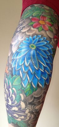 chrysanthemum-tattoo-on-bent-elbow
