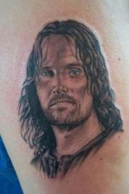 6871-viggo-mortensen-as-aragorn_large
