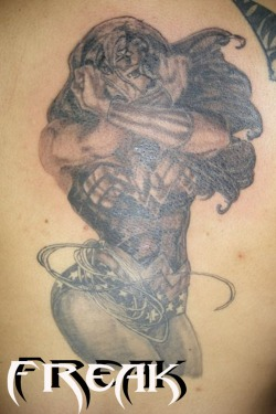 wonder-woman-grey-ink-back-body-tattoo
